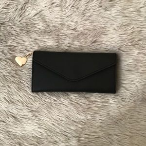 Handbags - NEW‼️BLACK LEATHER LONG WALLET W/ GOLD HEART CHAIN